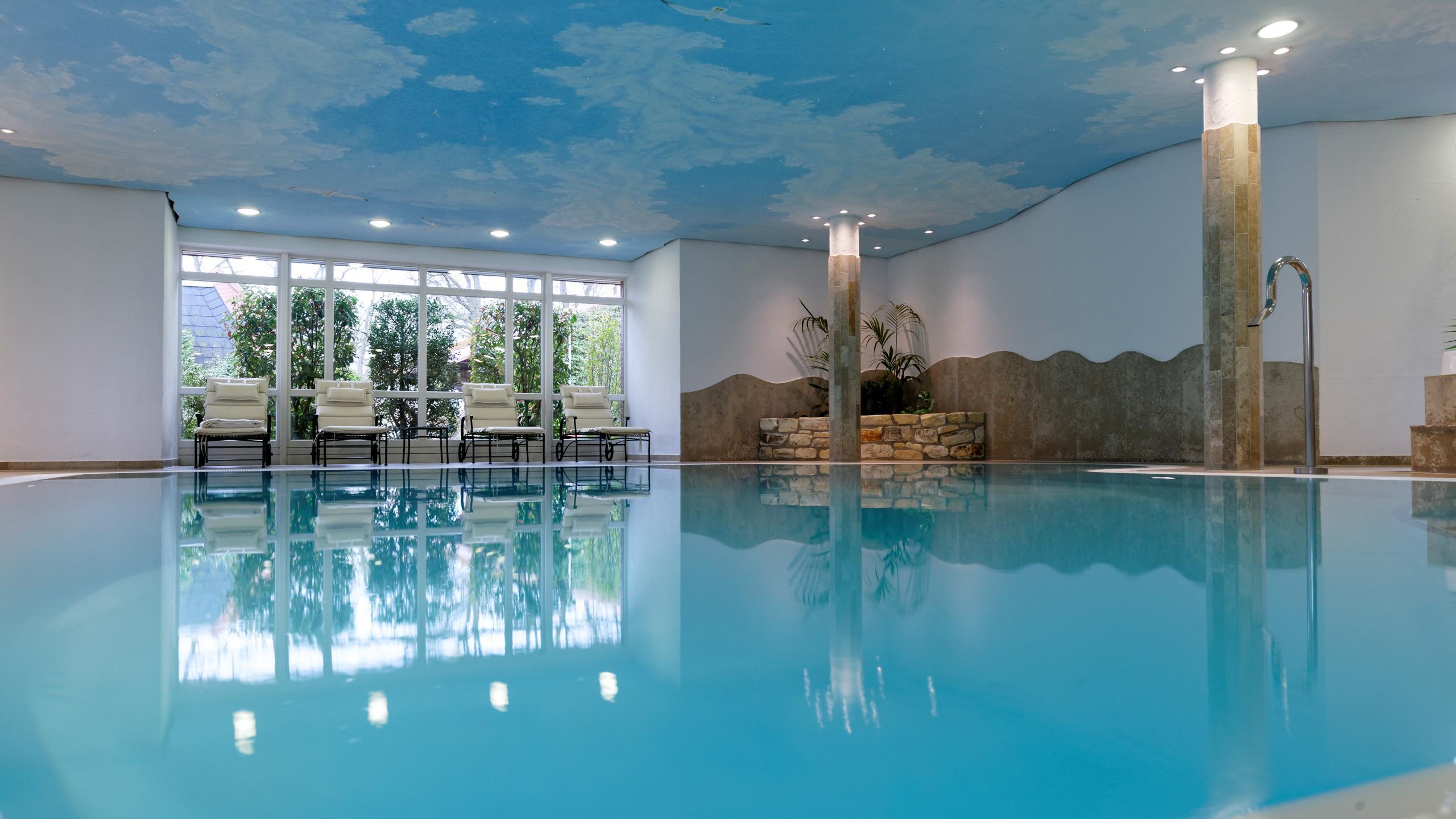 Sauna und schwimmbad l neburger heide wellnesshotel for Hotel munster mit schwimmbad